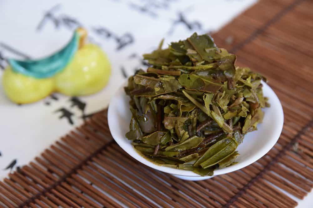 Bai Mu Dan Cake brewed leaves