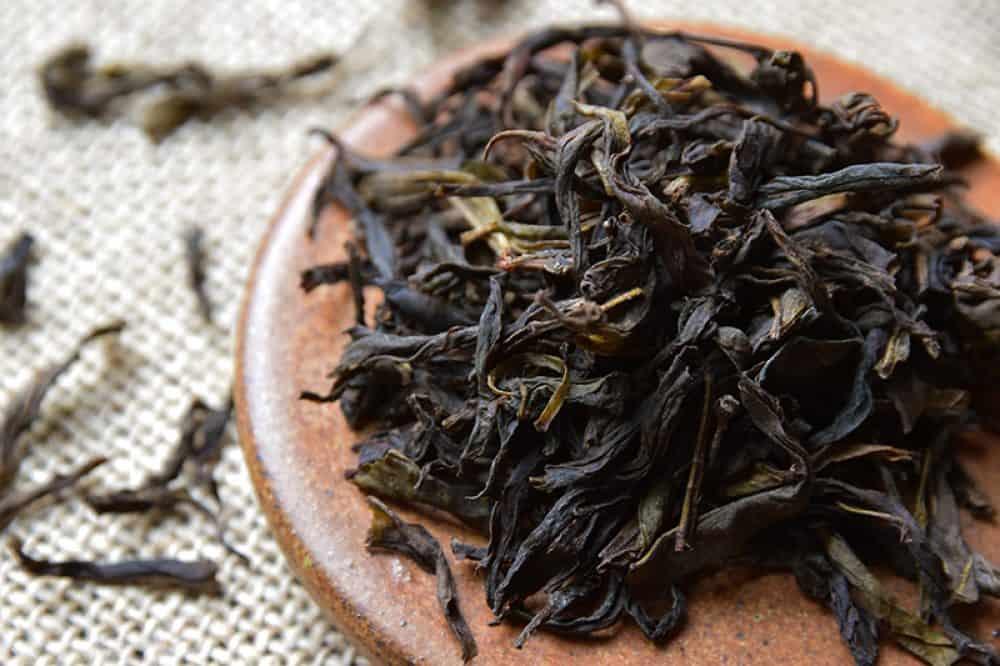 Biodynamic tea Fenghuang Dan Cong Mi Lan Xiang closeup