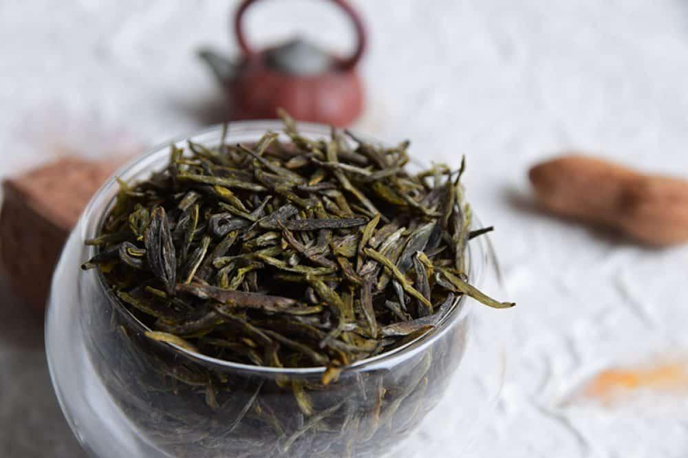 Meng Ding Huang Ya closeup - hand made yellow tea